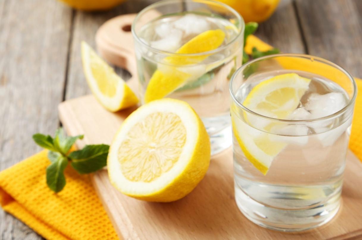 фото можно пить воду с лимоном